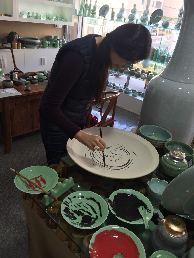painting Hox on ceramics